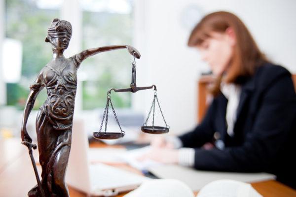 помощь юриста при сопровождении сделок с недвижимостью